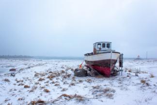 Bateau sur la plage d'Eggum